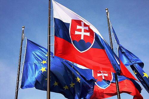 Slovakia_flags_EU