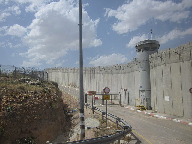 israel-security-west-bank-wall