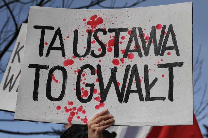 protests-against-abortion-ban-ustawa-gwalt (1)