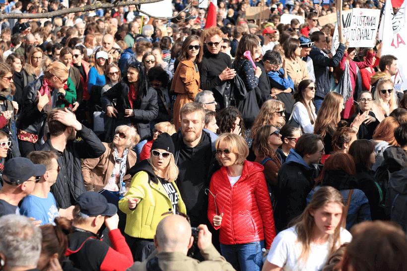 protests-against-abortion-ban-zandberg (1)