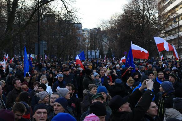 warsaw-democracy-protests-law-and-justice (11)