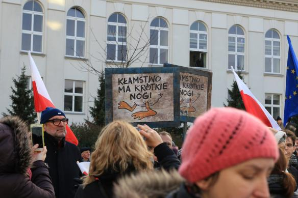 warsaw-democracy-protests-law-and-justice (13)