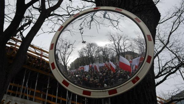 warsaw-democracy-protests-law-and-justice (2)
