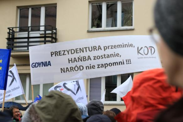 warsaw-democracy-protests-law-and-justice (6)