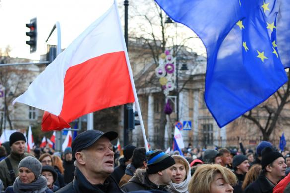 warsaw-democracy-protests-law-and-justice (9)