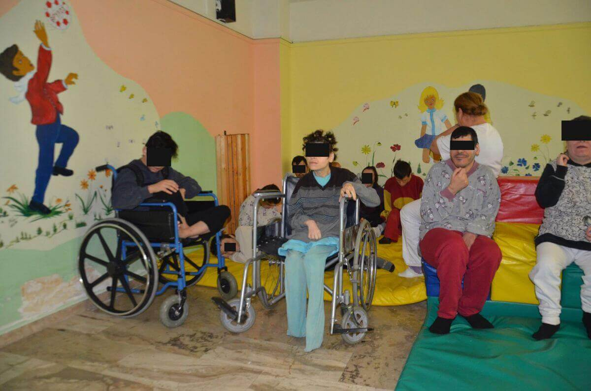 Inside Lechaina, a dark age care center where activists are fighting