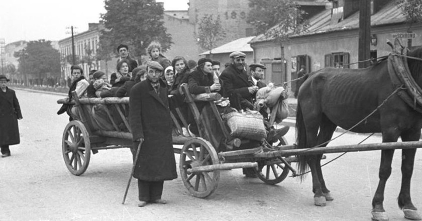 Warsaw during World War II: Wolska Street looking East. Photo taken from intersection with Elekcyjna Street. CC