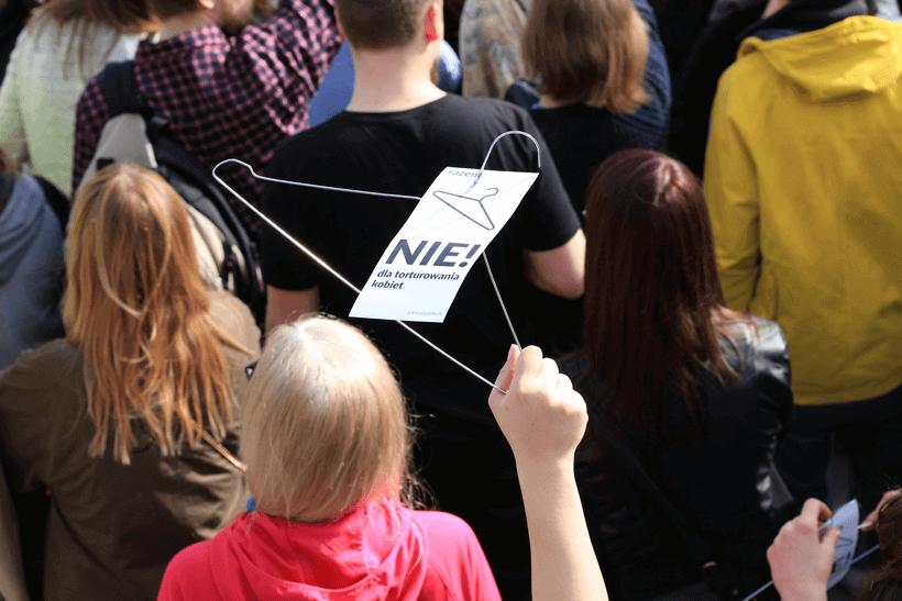 protests-against-abortion-ban-nie-torturze-kobiet (1)